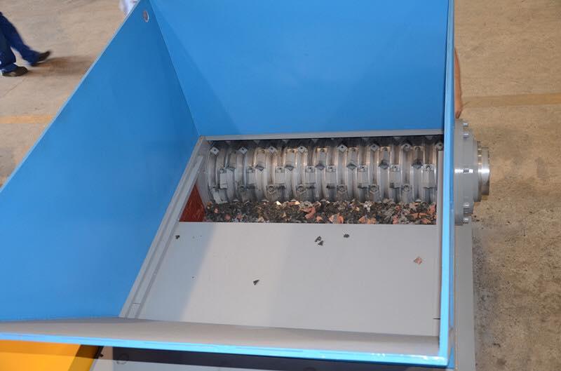 máy bằm ống nhựa phế hdpe