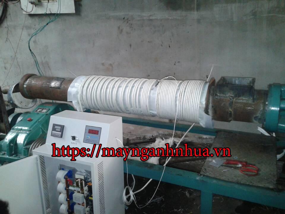 Gia nhiệt điện từ ứng dụng trong máy Tạo hạt ướt(Máy ó)